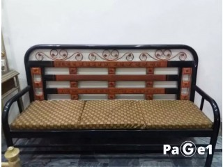 5 Seaters sofa in good condition